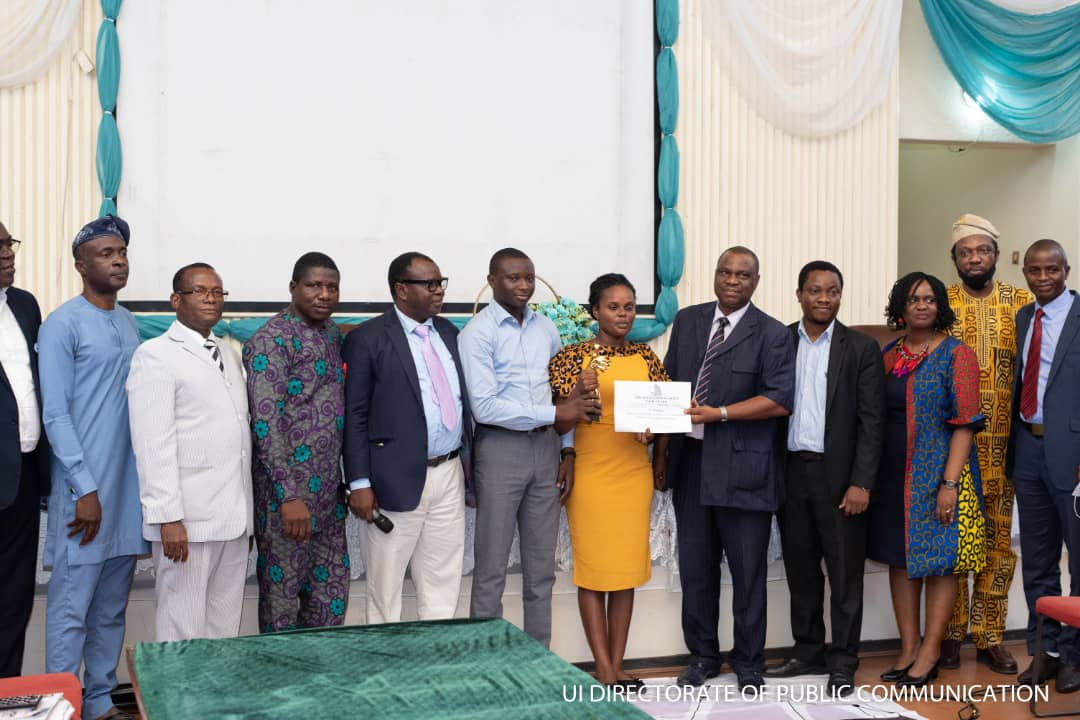 1st Position Product Category recipients with dignitaries